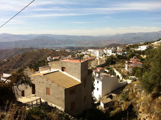 Towards Viñuela from Canillas de Aceituno