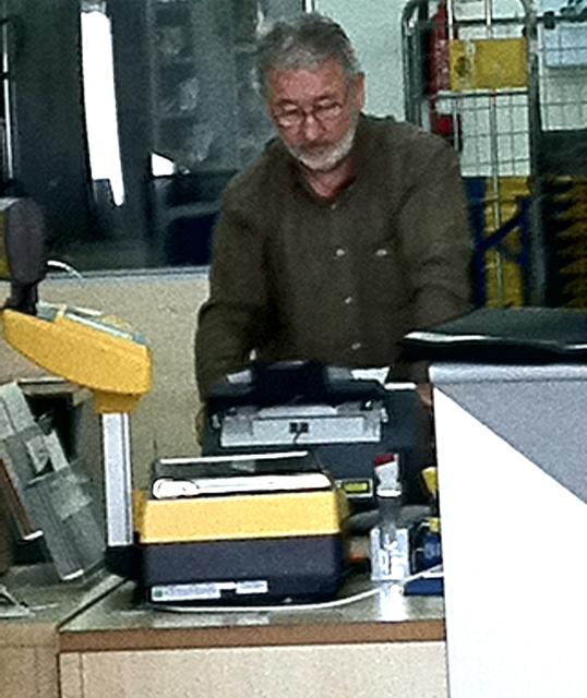 Eddie Jordan works in Velez Correos part-time